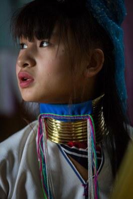 Jeune fille Padaung au lac Inle