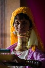 Femme Padaung au lac Inle