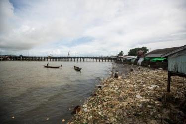 Déchets au port de Sittwe