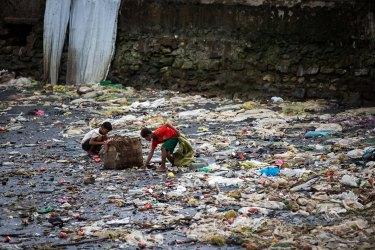Enfants au port de Sittwe