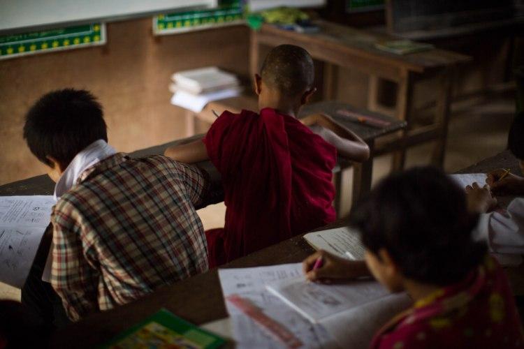 Écoliers palaungs dans le village de Tan San, Shan State