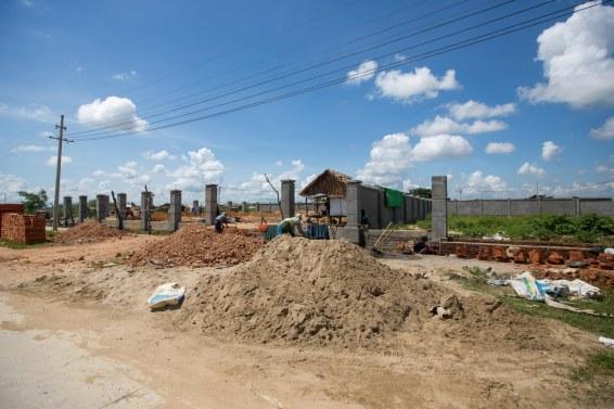 Des quartiers en chantier, mais aucune maison.