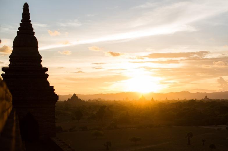 Coucher de soleil, Bagan