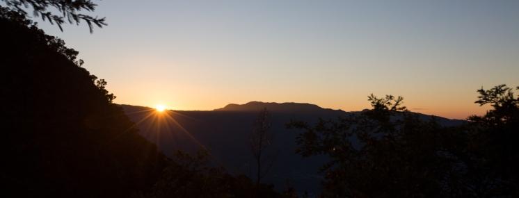 Les premiers rayons de soleils du Grand Raid font leur apparition. KM72