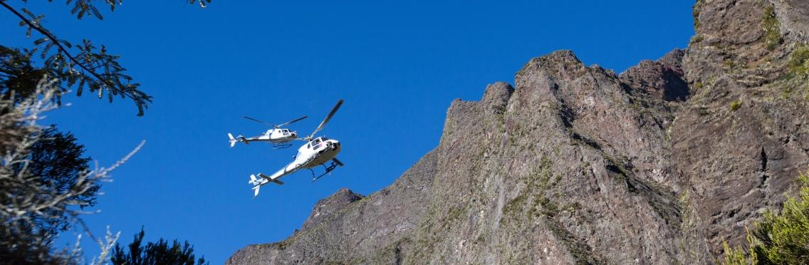 Hélicoptères au Taïbit.